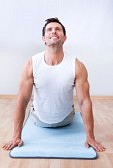 homme bien-être stretching